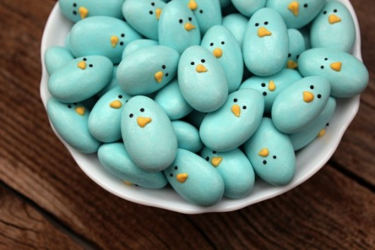 http://bestfriendsforfrosting.com/wp-content/uploads/2012/04/jordan-almond-easy-decoration-candy-birds-531x354-custom.jpeg