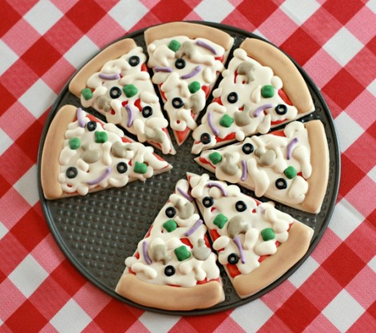 Cookie Pizza | Best Friends For Frosting