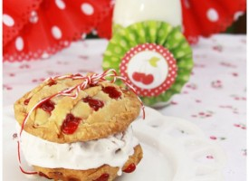 Cherry-Pies-n-Cream-Sandwich-Cookie