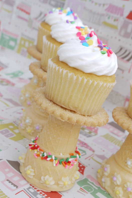 decorating-desserts