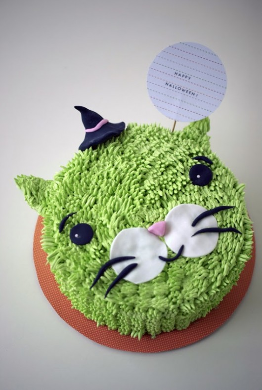 Halloween Witch Cat Cake