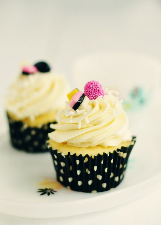 licorice-vanilla-almond-cupcakes
