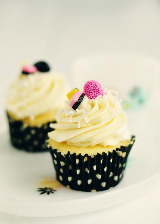 licorice-vanilla-almond-cupcakes