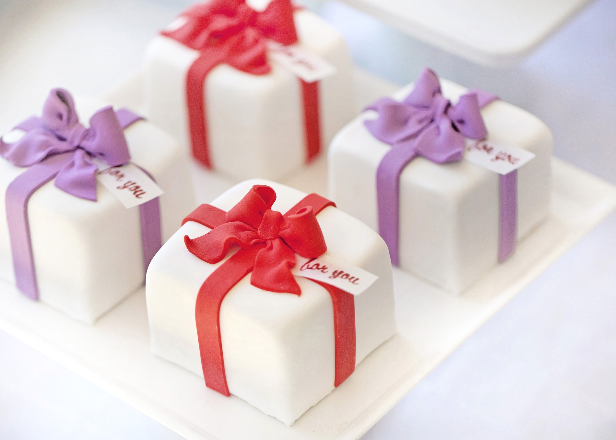 Christmas Cake Ideas Presents : present-cake Best Friends For Frosting
