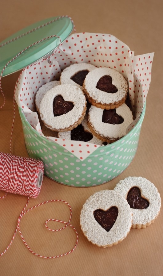 linzer-in-tin