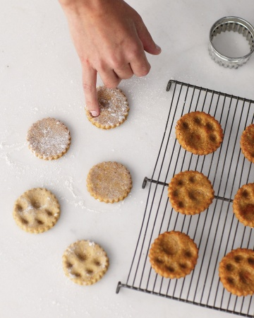 paw-print-dog-biscuits