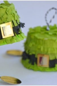 Craft-DIY-tutorial-St.-Patricks-Day-Leprechaun-Hat-Pinatas