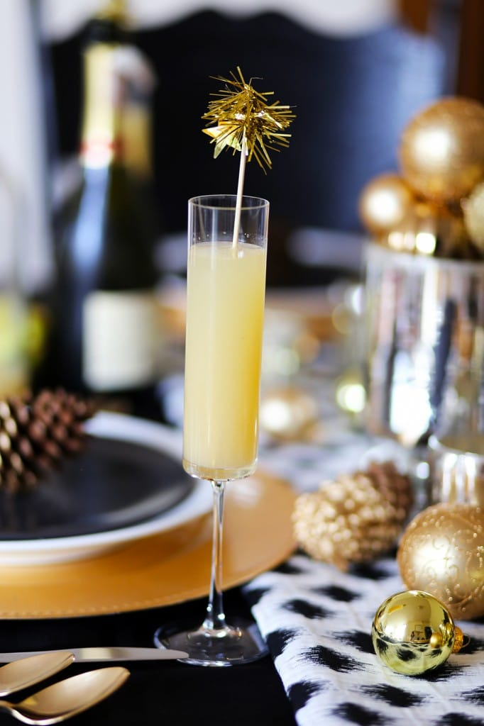 Modern-XMas-Gold-Pear-Cocktail