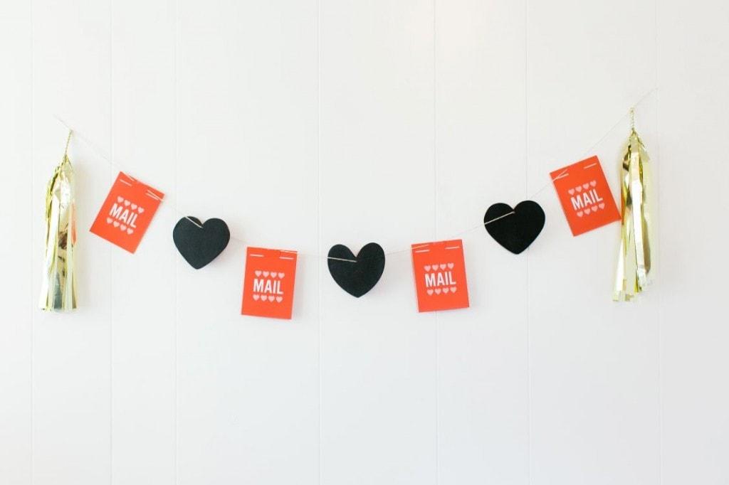 valentines-tassel-banner