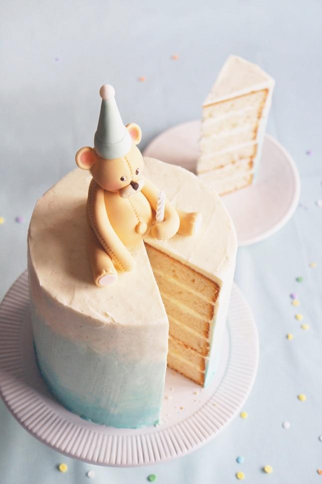 bear-cake-topper