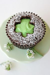 shamrock-cutout-cupcakes