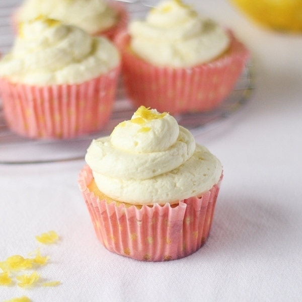 Lemon-Cupcakes-with-Whipped-Buttercream-Frosting-3