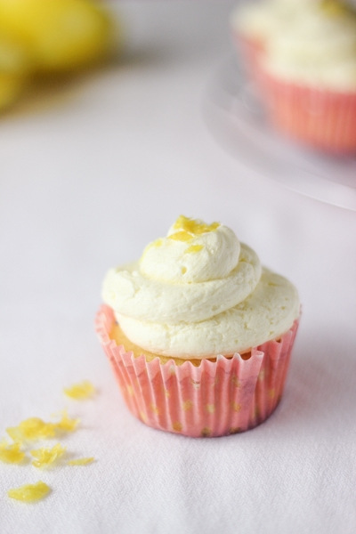 Lemon-Cupcakes-with-Whipped-Buttercream-Frosting-6