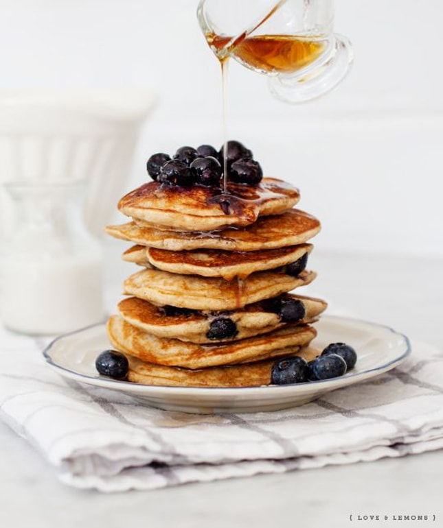 blueberry-banana-pancakes
