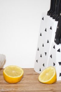 DIY-Stenciled-Painted-Knife-Holder