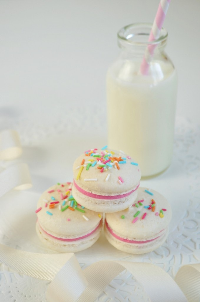 chamboard-confetti-macarons-junipercakery-3
