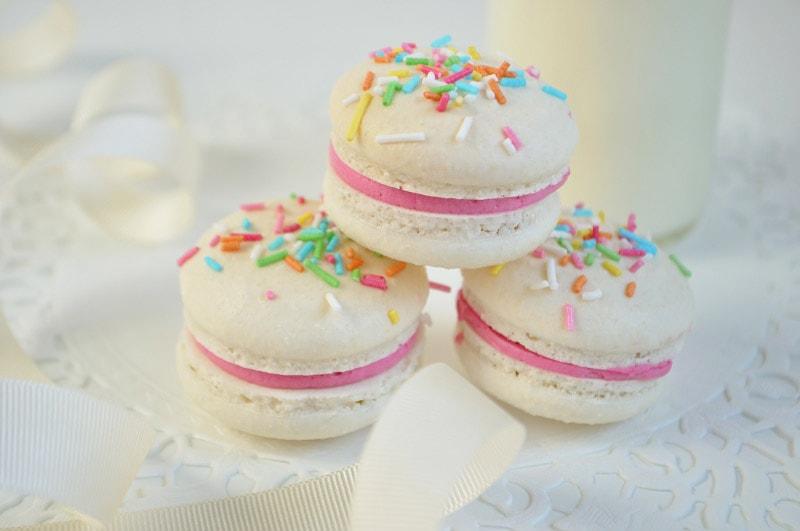 chamboard-confetti-macarons-junipercakery-4