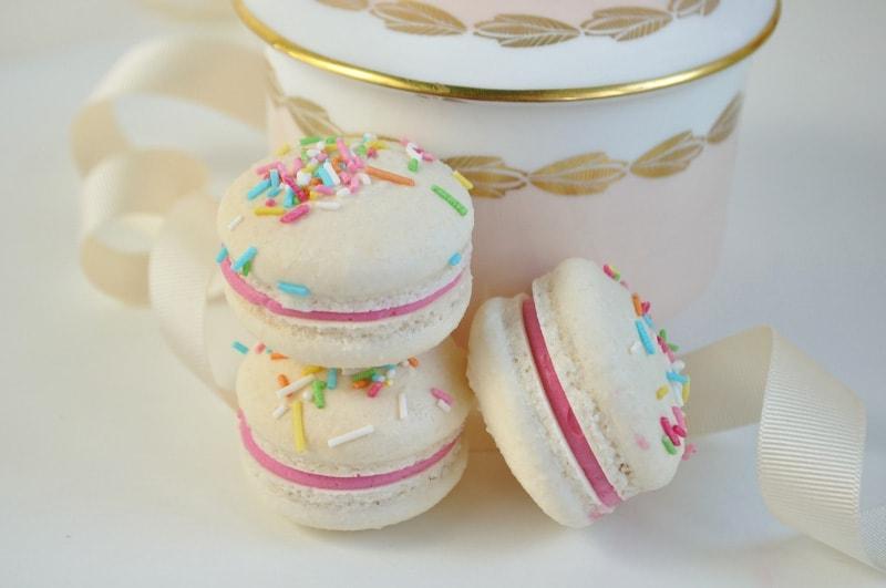 chamboard-confetti-macarons-junipercakery-7