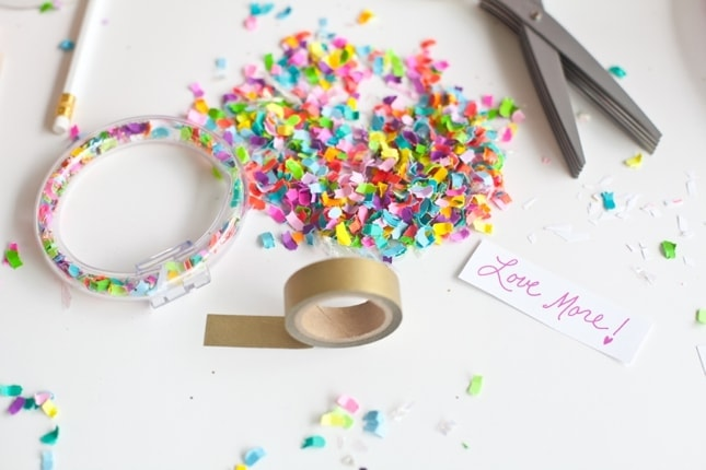 The Confetti Bar_BFFF_DIY Confetti Bracelets_0016