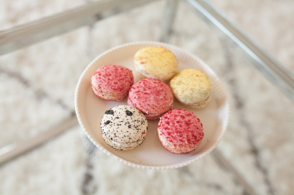 colorful-macarons