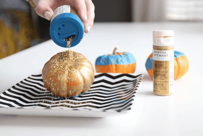 glitter-pumpkins