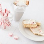 HOW TO MAKE HOLIDAY PEPPERMINT COOKIE BARK