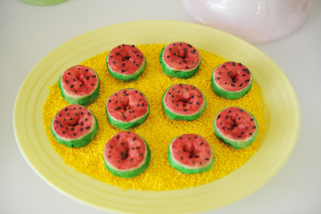 WATERMELON-MINI-DONUTS