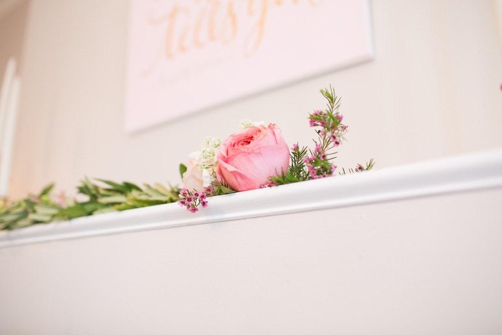 mantle-flowers