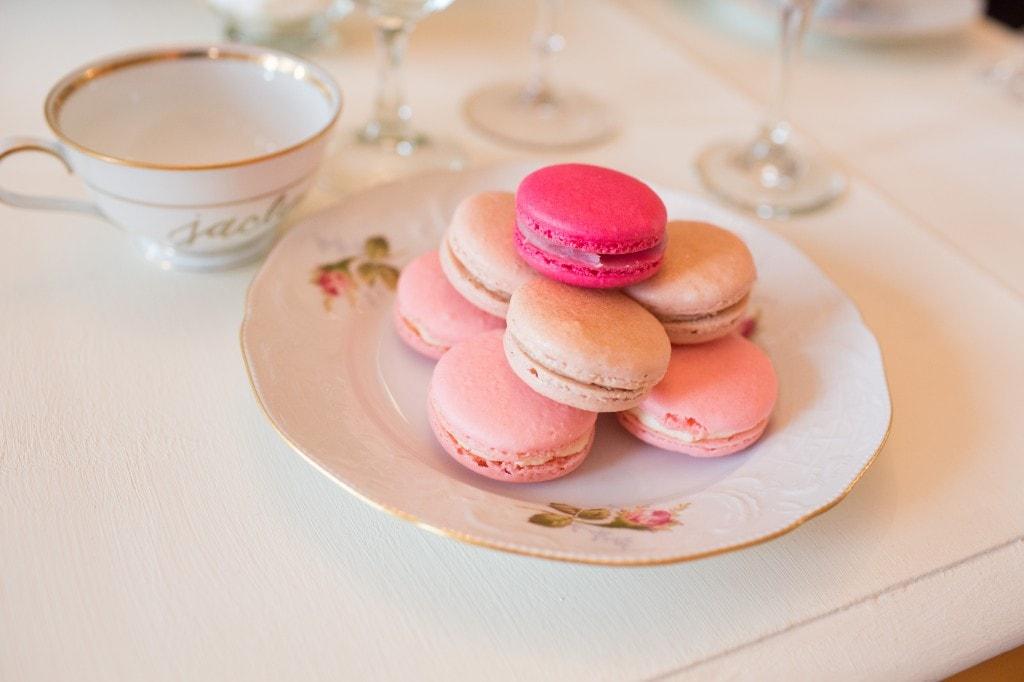 pink-macarons