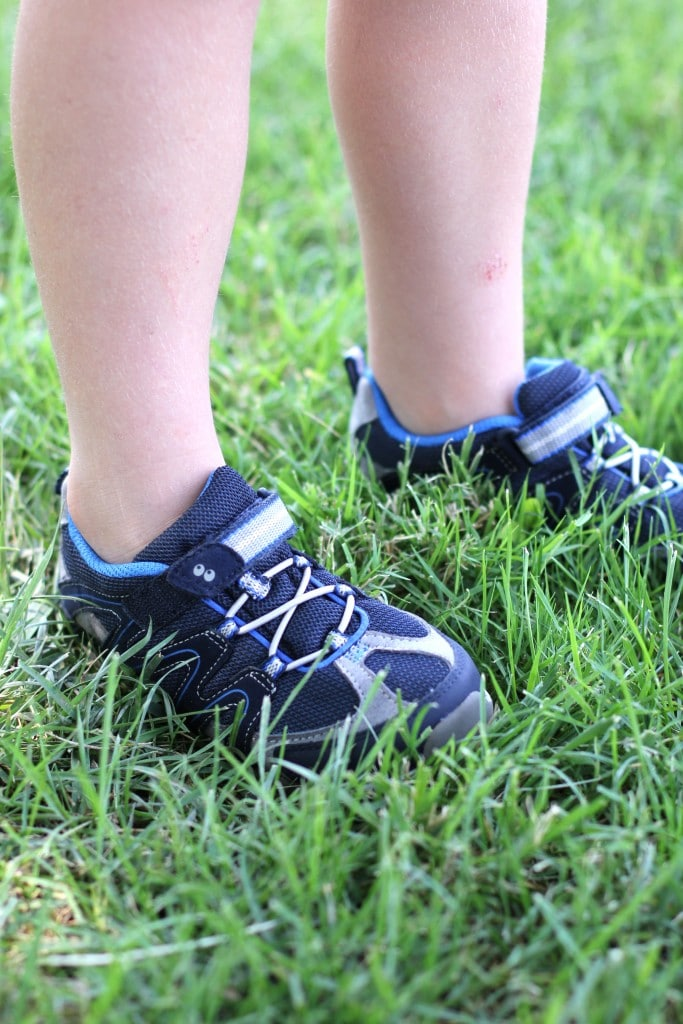 stride rite suprize kids shoes 9