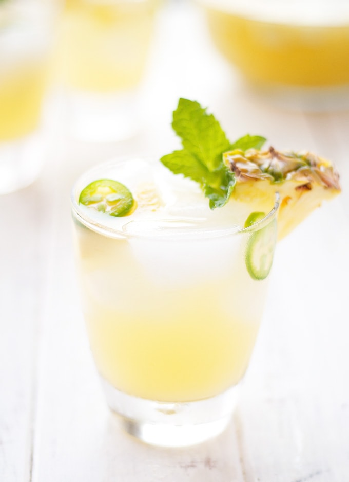pineapple-jalapeno-sangria-cocktail