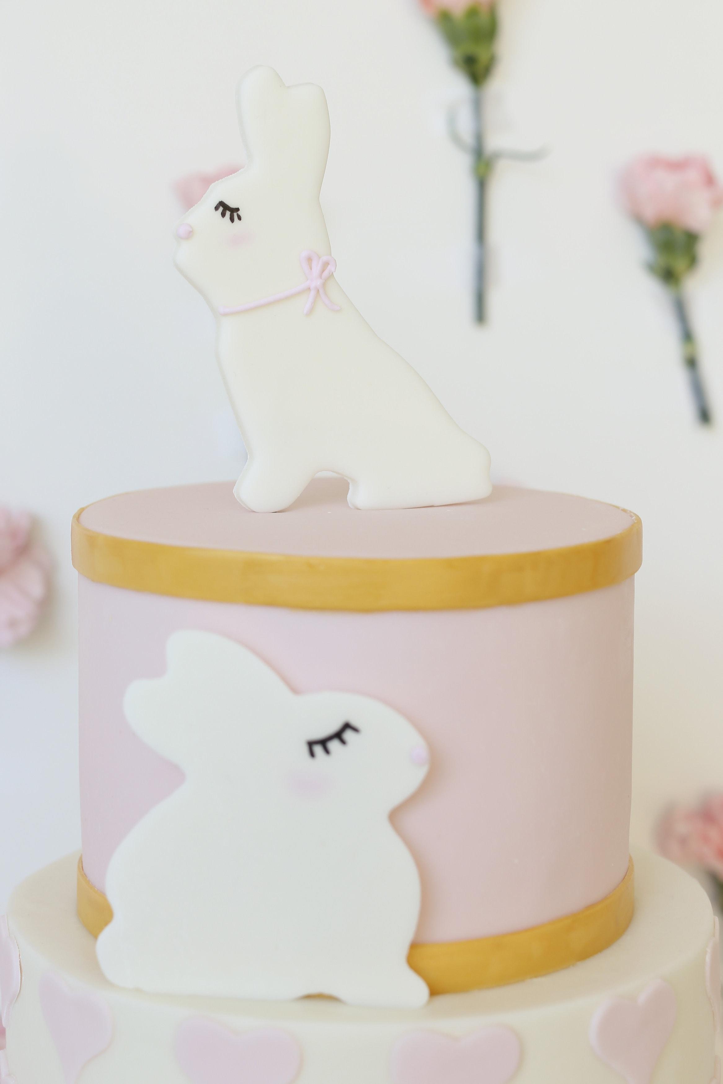 BABY-GIRL-BABY-SHOWER-CAKE
