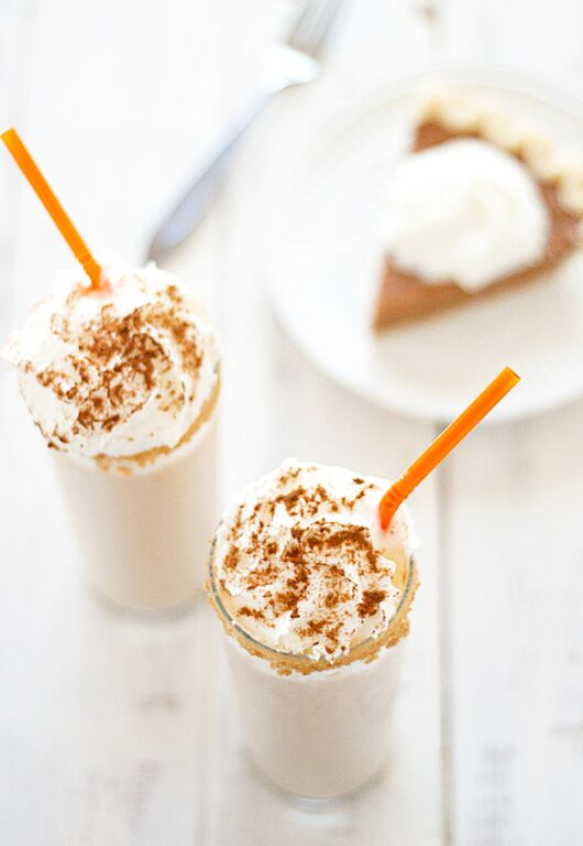 BOOZY PUMPKIN PIE MILKSHAKES RECIPE | Best Friends For Frosting