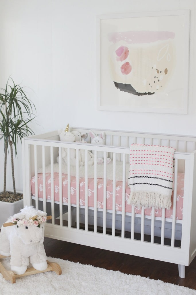 CHIC-WHITE-PINK-MODERN-NURSERY