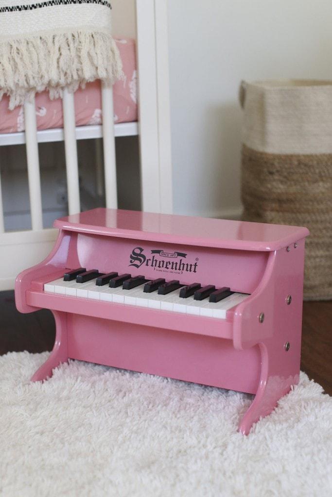 PINK-NURSERY-PIANO