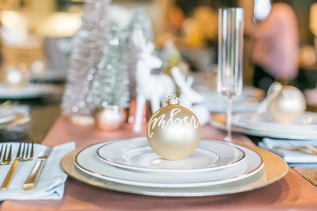 ornament-place-setting