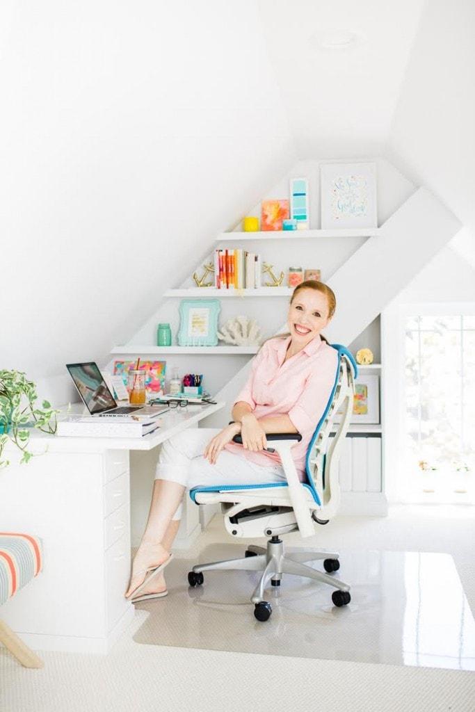 lara-office-shot