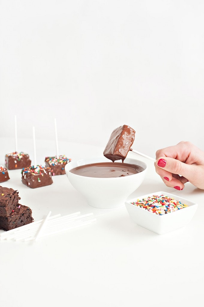 Confetti-Brownie-Pops2