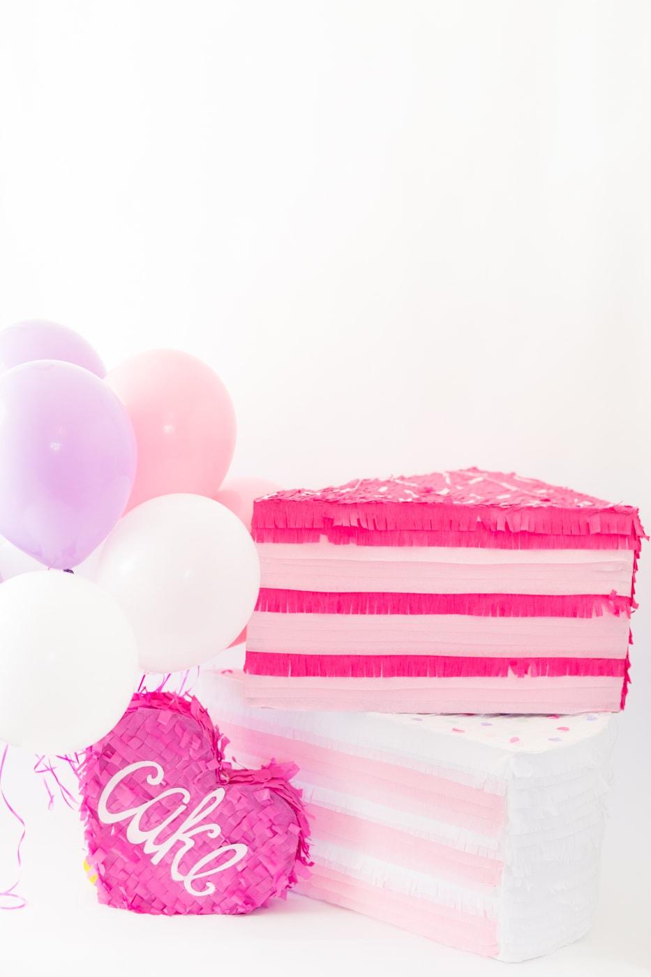 PINK-CAKE-PINATAS