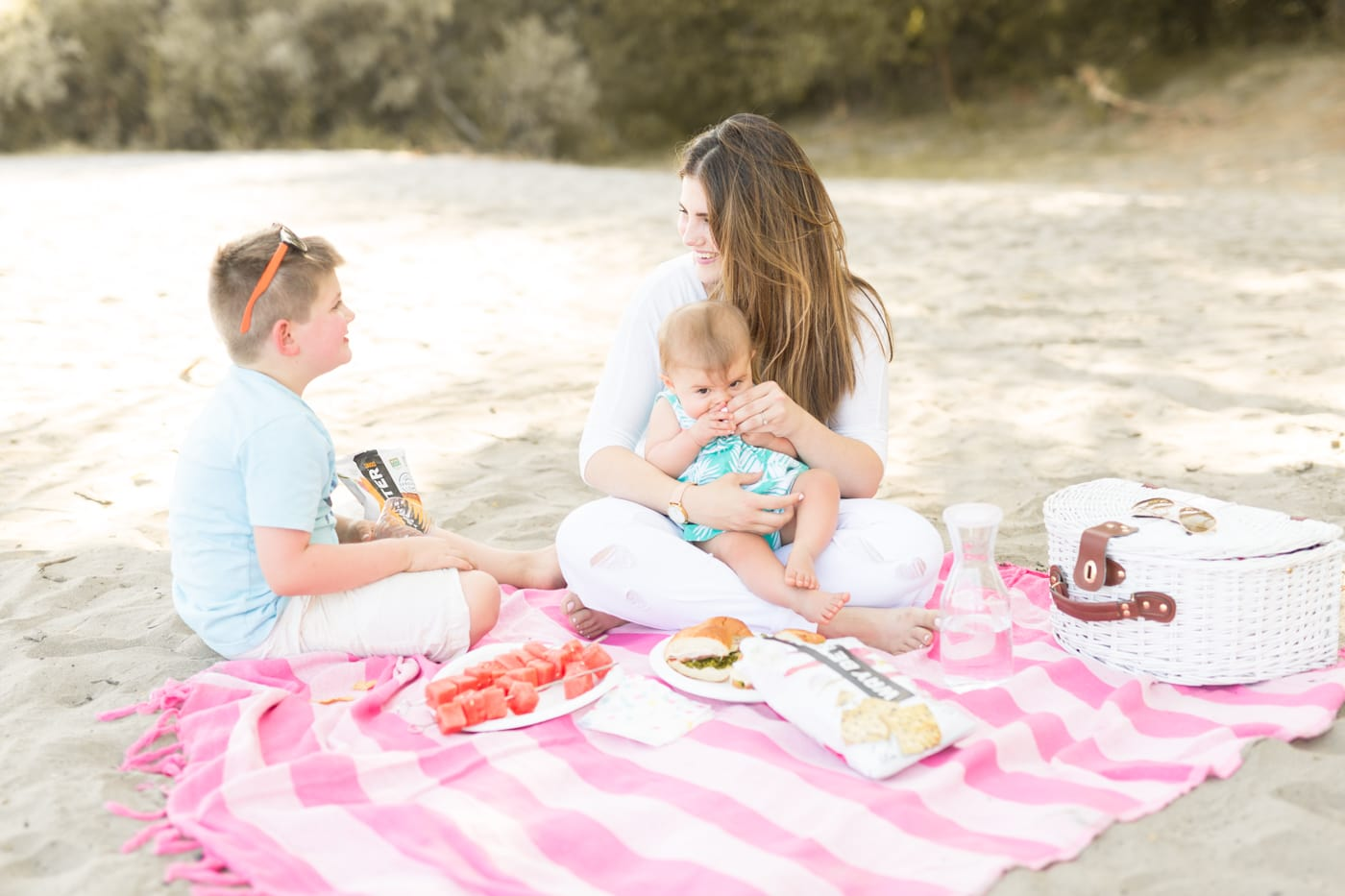 pink-family-picnic-basket