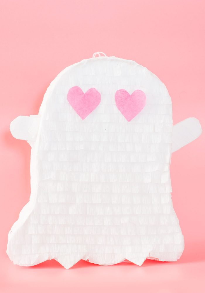 snapchat-ghost-pinata