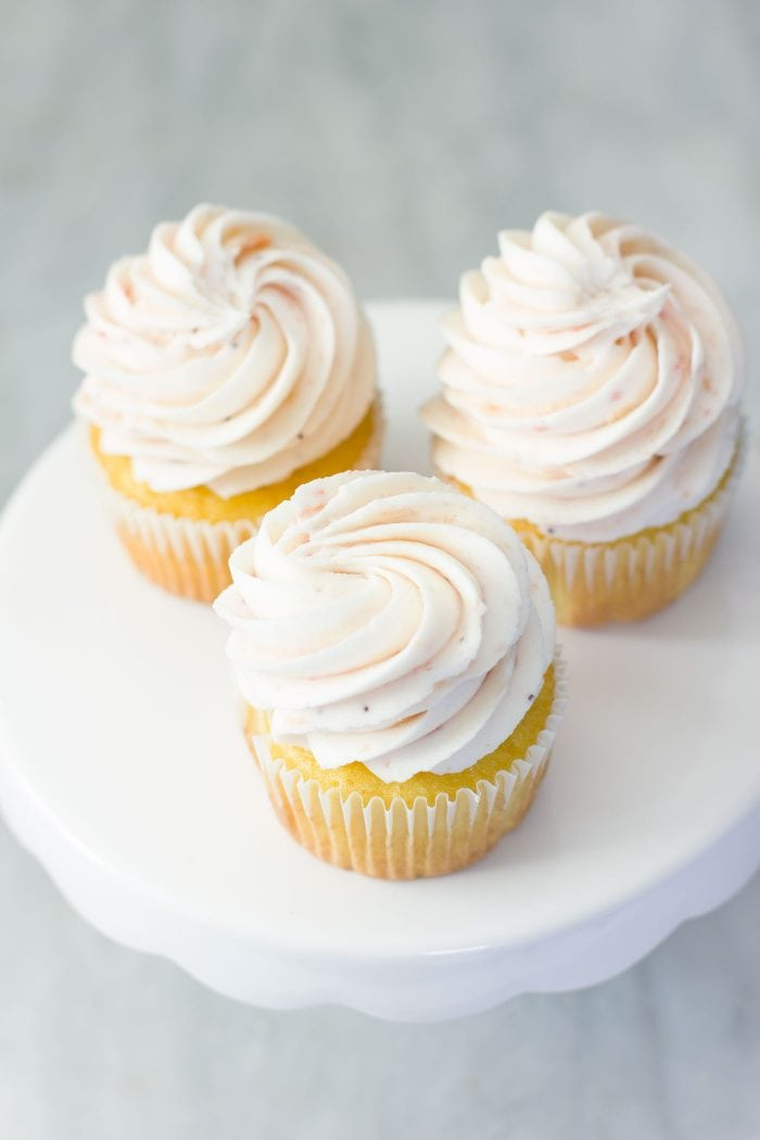 Recipe For Fluffy White Icing For Cake