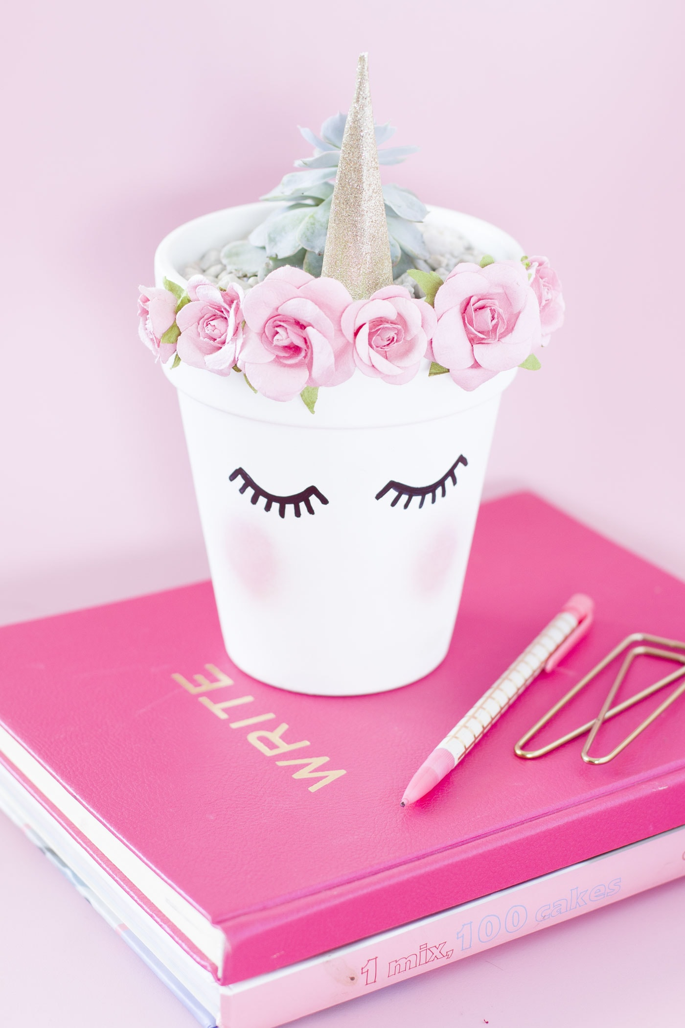 chic-pink-unicorn-gold-planter