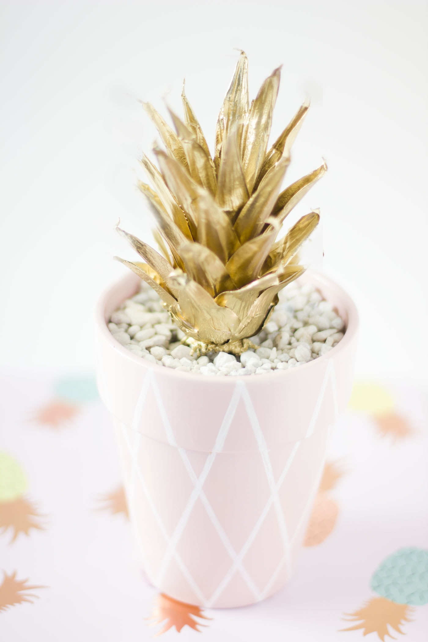 pineapple-planter-pink-diy-gold
