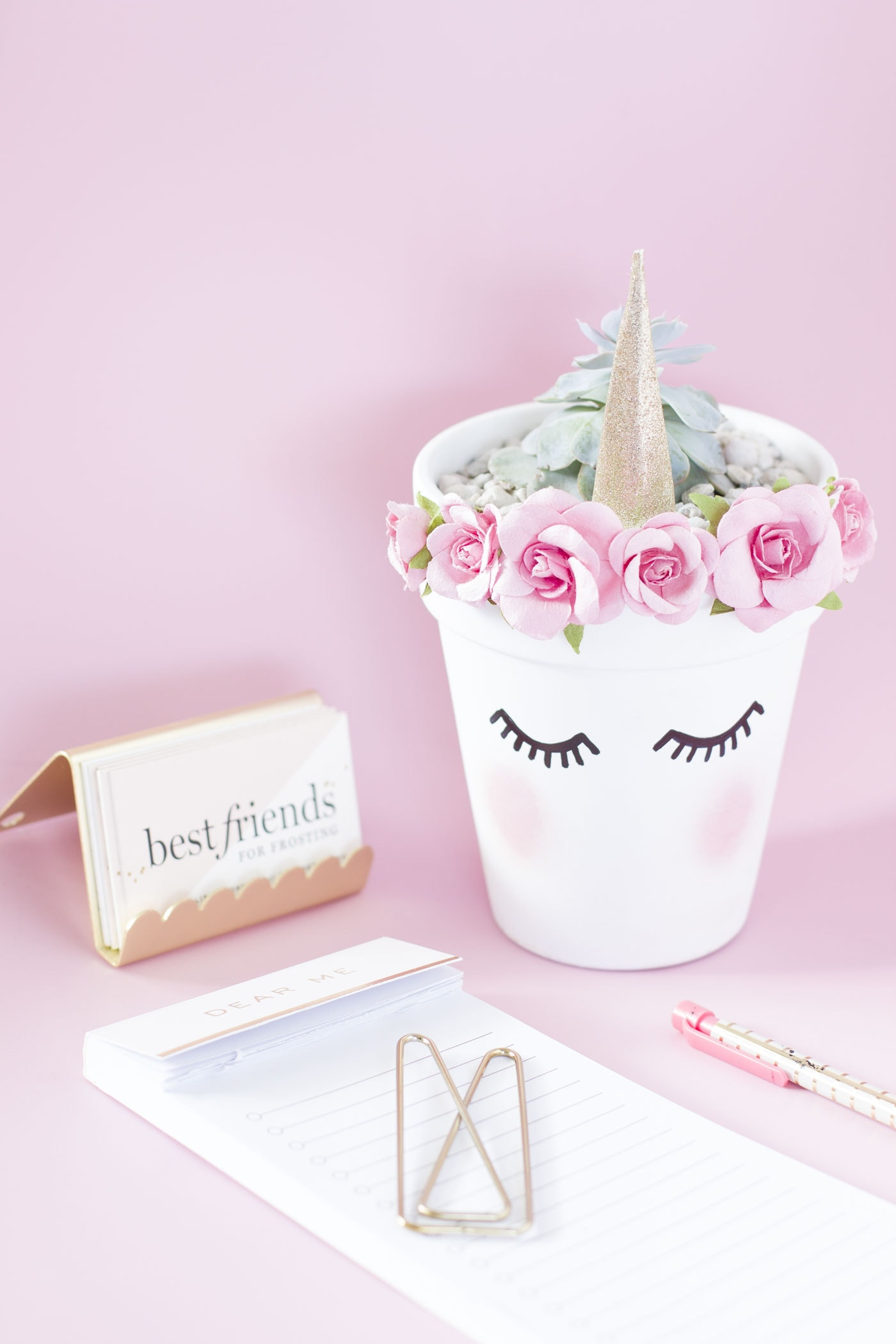pink-chic-unicorn-planter