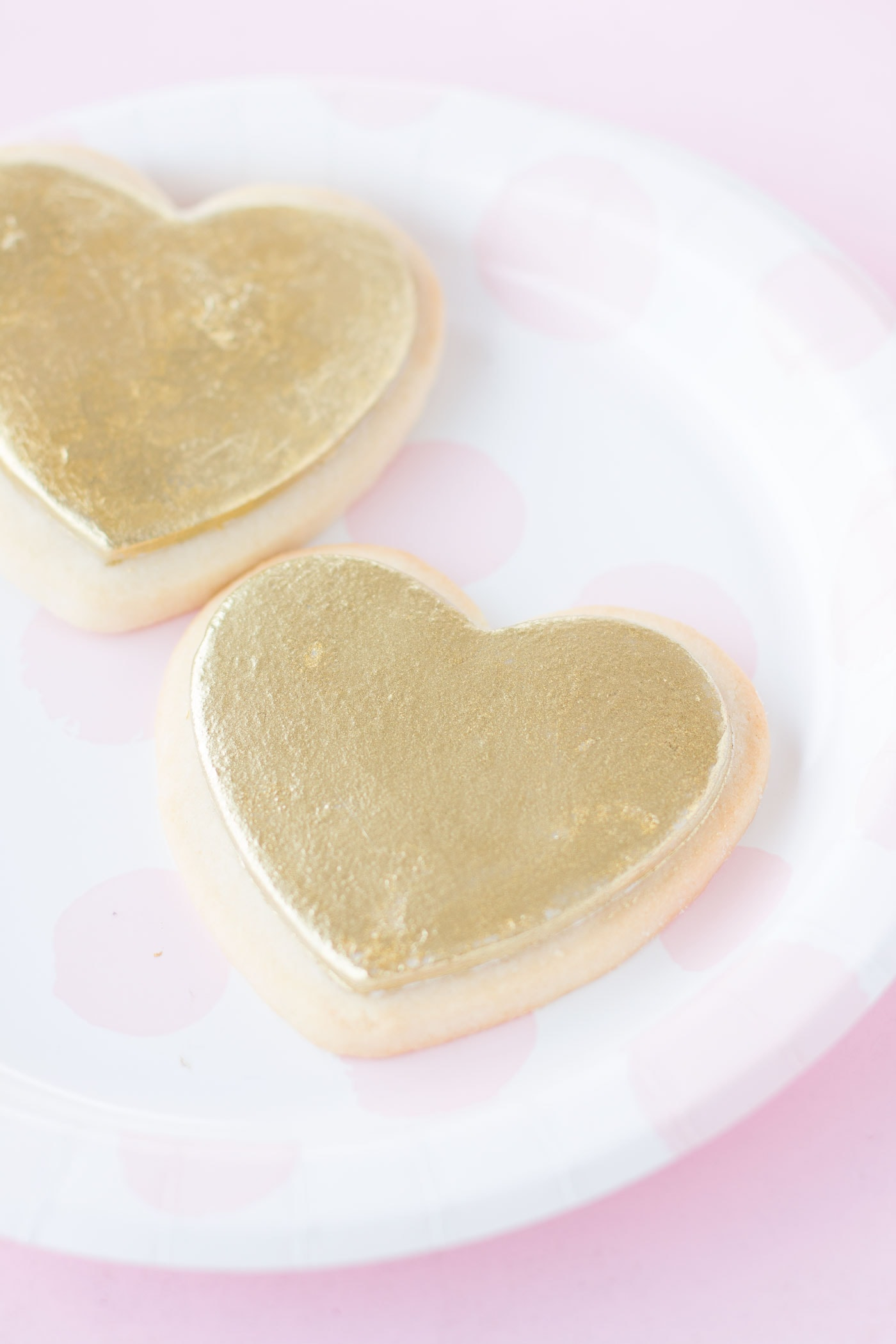 heart-shaped-valentines-day-cookies-gold