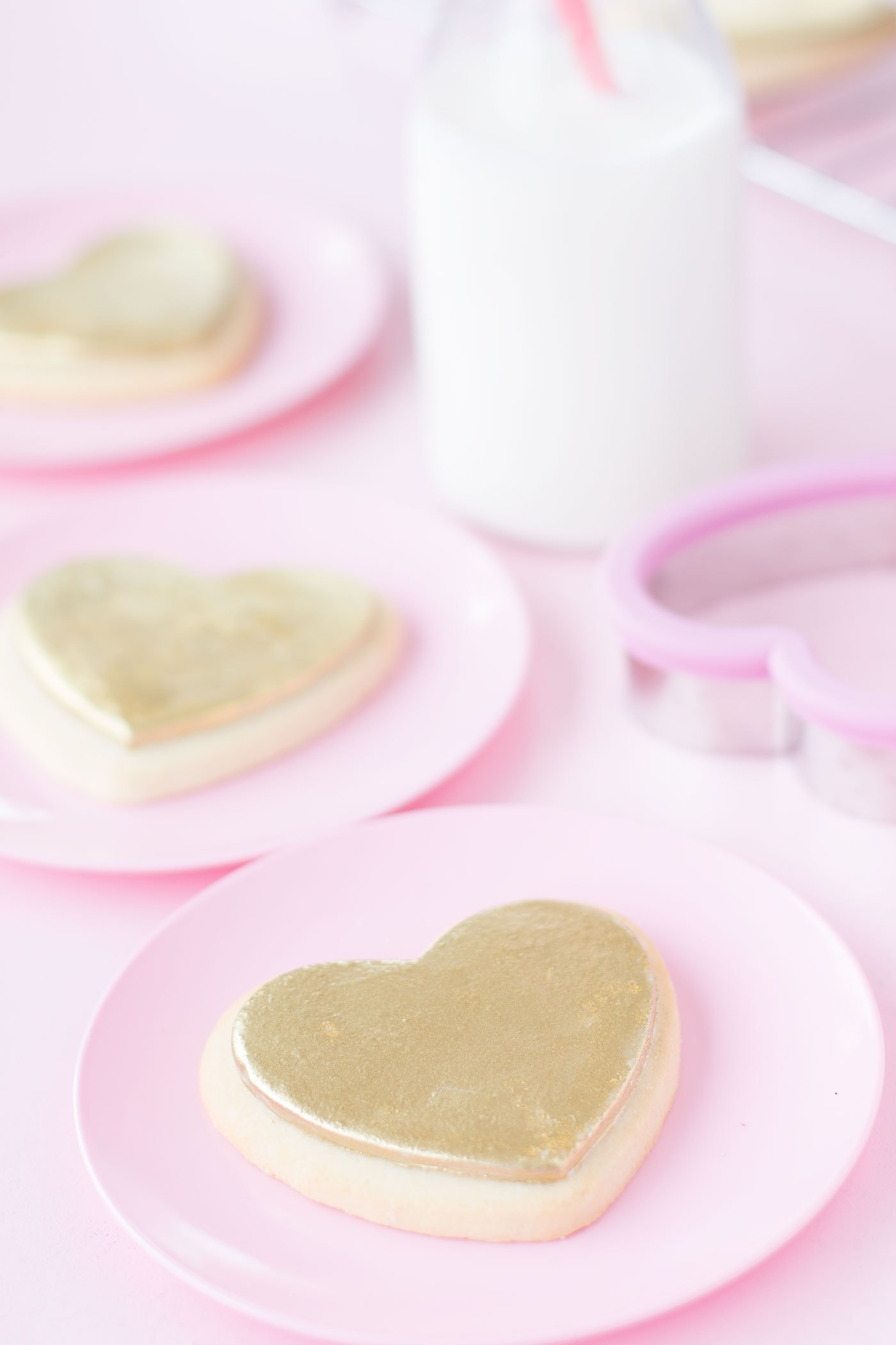 heart-shaped-valentines-day-cookies