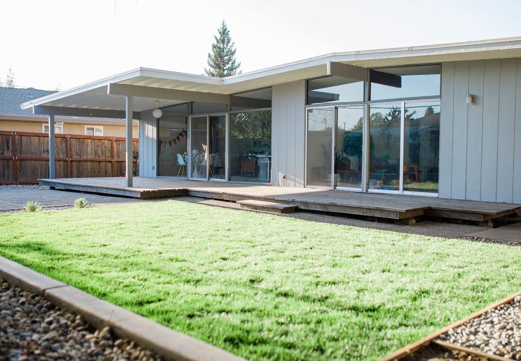 Mid-Century Modern Backyard