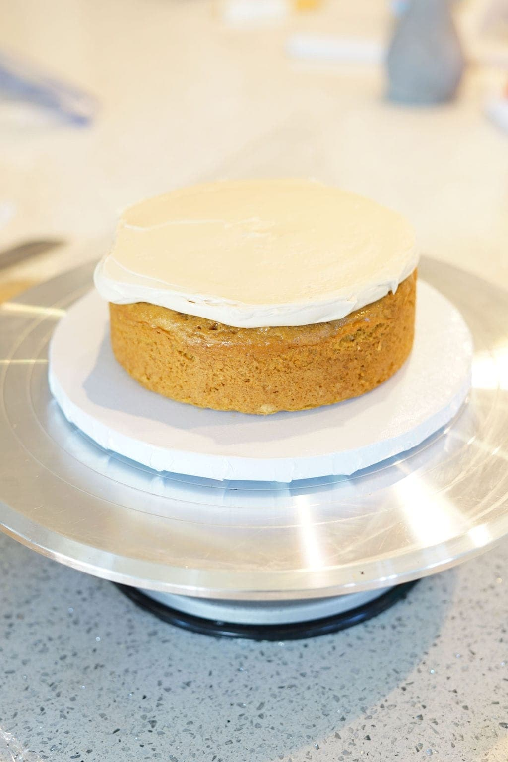 buttercream frosting on cake